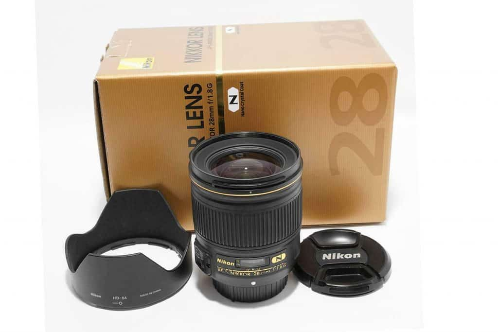 Nikon AF-S NIKKOR 28mm F1.8G with box