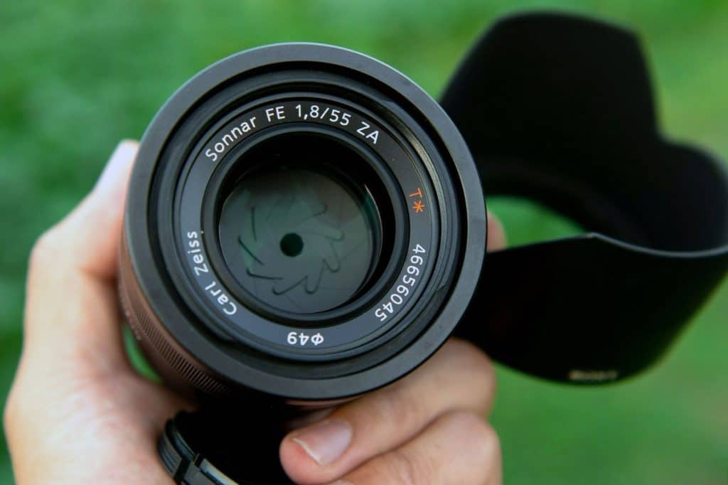 handling the 55mm 1.8 zeiss lens