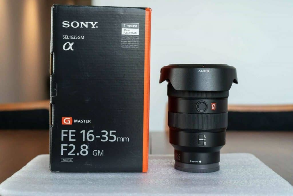 sony 16-35mm wide angle zoom lens