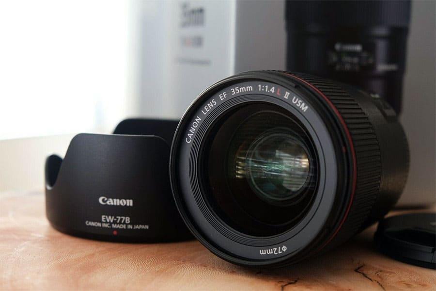 Canon EF 35 mm f/1.4L II USM prime lens