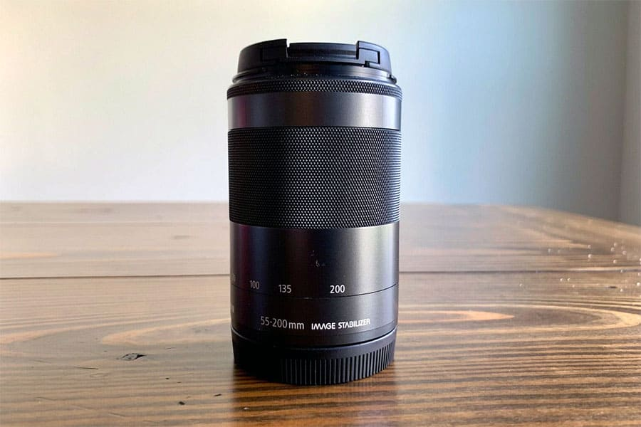 Canon EF-M · f/4.5-6.3 · 55-200mm zoom lens