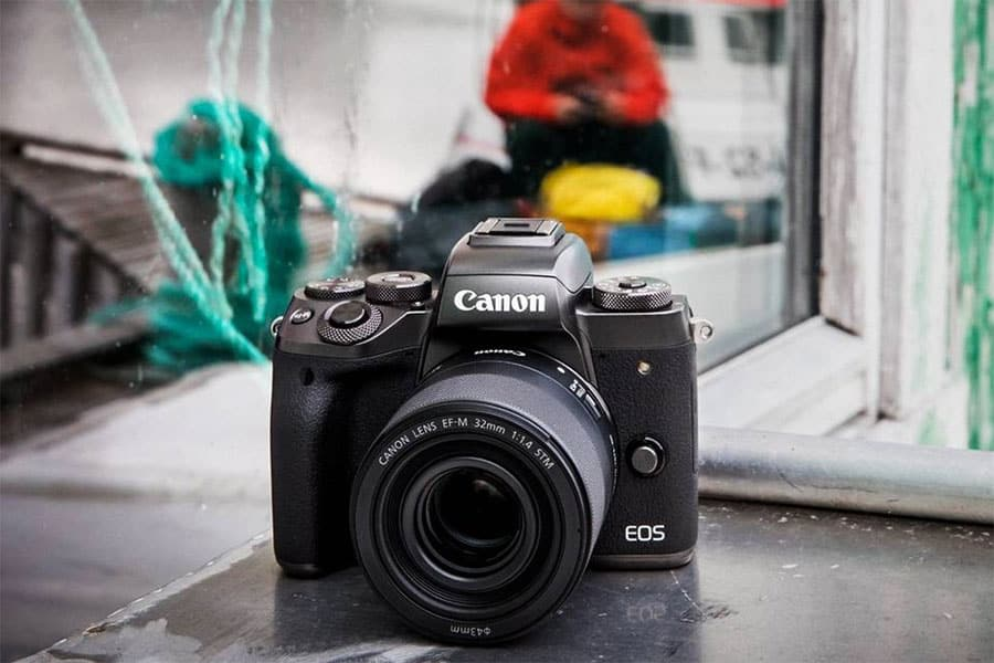 eos m50 with 32mm f1.4 lens